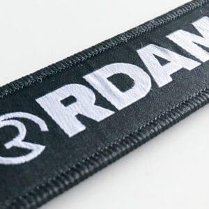 rdam key chain sleutelhanger zipper chain met logo en QR code aan de achterkant